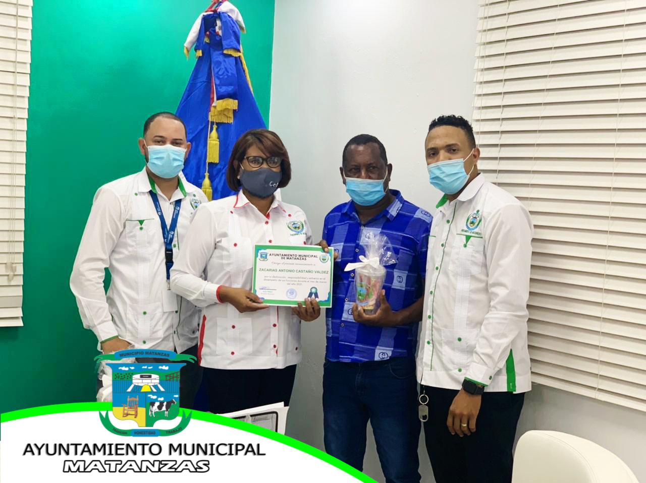Seguimos premiando y reconociendo el trabajo de los empleados del Ayuntamiento.